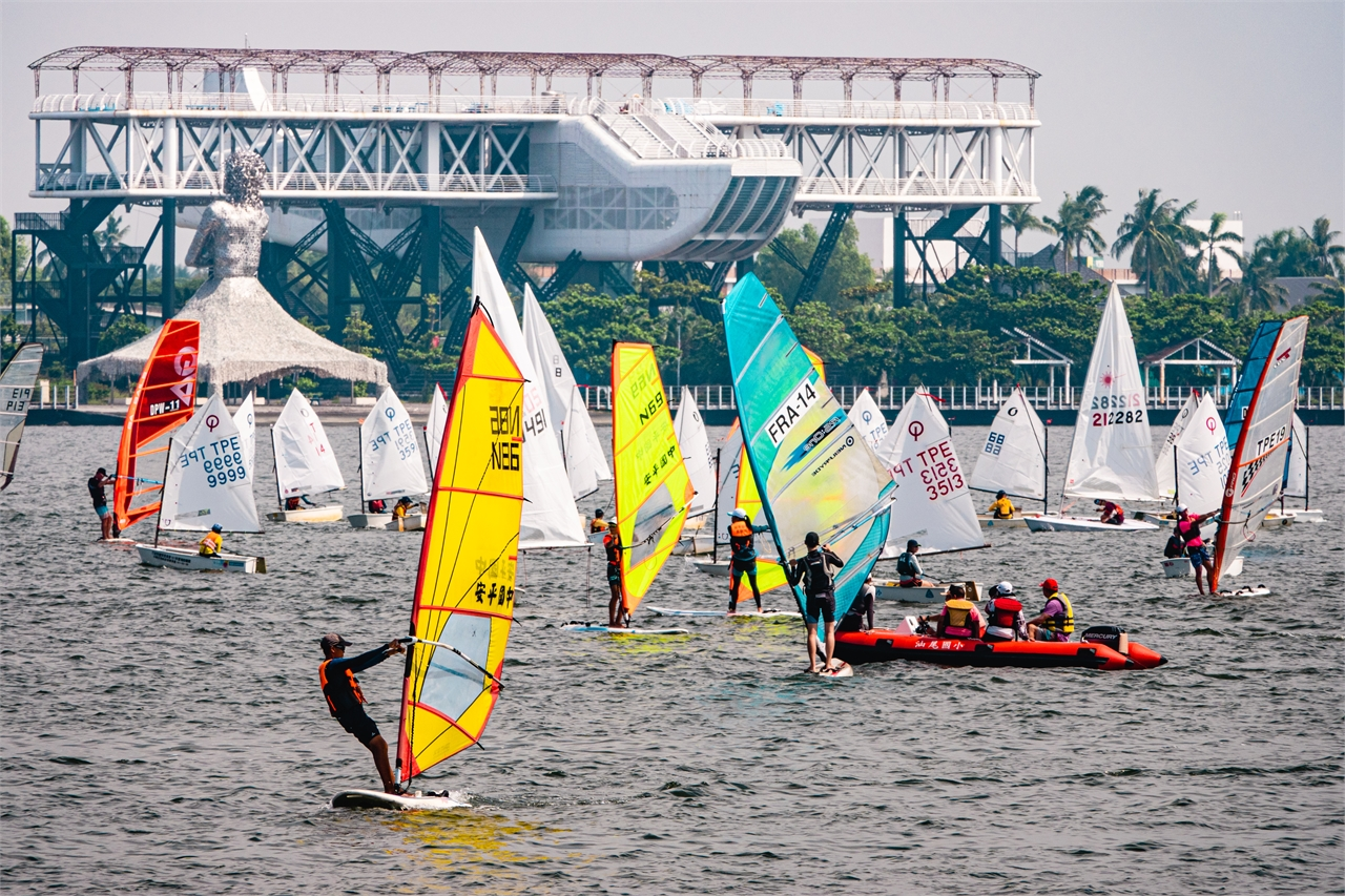 Little liuqiu Windsurfing Championship & Course Racing